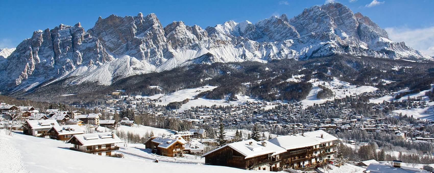 Hotel in the Pedestrian Zone in Cortina